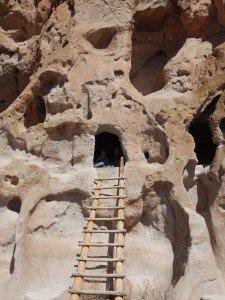 Habitat creusé dans la roche